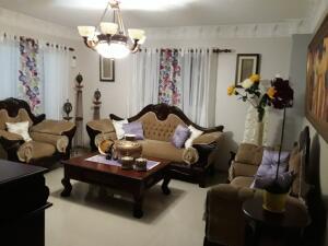 Casa En Ventaen Santo Domingo Este, San Isidro, Republica Dominicana, DO RAH: 21-3133