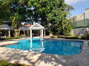 Casa En Ventaen Santo Domingo Oeste, Alameda, Republica Dominicana, DO RAH: 21-3271
