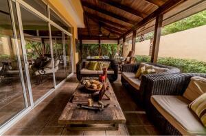 Casa En Ventaen Distrito Nacional, Arroyo Hondo, Republica Dominicana, DO RAH: 21-3302