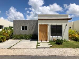 Casa En Ventaen Punta Cana, Veron-Punta Cana, Republica Dominicana, DO RAH: 21-3323