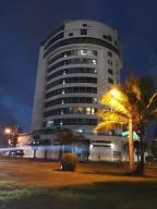 Apartamento En Ventaen Distrito Nacional, Renacimiento, Republica Dominicana, DO RAH: 21-3336