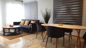 Apartamento En Alquileren Distrito Nacional, Piantini, Republica Dominicana, DO RAH: 22-129