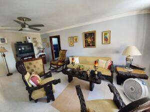 Apartamento En Alquileren Distrito Nacional, Evaristo Morales, Republica Dominicana, DO RAH: 22-130