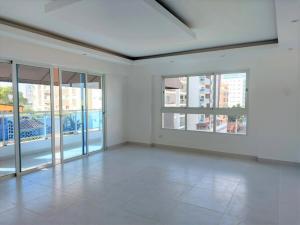 Apartamento En Ventaen Distrito Nacional, Evaristo Morales, Republica Dominicana, DO RAH: 22-138