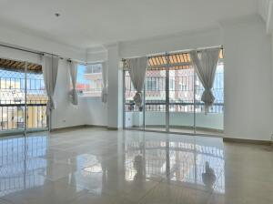 Apartamento En Ventaen Distrito Nacional, Bella Vista, Republica Dominicana, DO RAH: 22-210