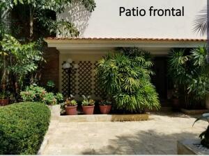 Casa En Ventaen Distrito Nacional, La Julia, Republica Dominicana, DO RAH: 22-354