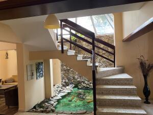 Casa En Ventaen Distrito Nacional, Los Cacicazgos, Republica Dominicana, DO RAH: 22-370