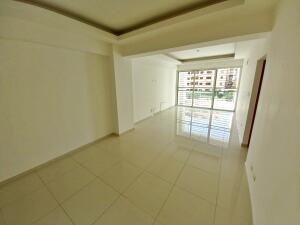 Apartamento En Alquileren Distrito Nacional, Evaristo Morales, Republica Dominicana, DO RAH: 22-378