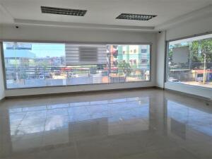 Local Comercial En Alquileren Santo Domingo Este, Alma Rosa I, Republica Dominicana, DO RAH: 22-396