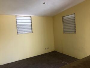 Casa En Ventaen Santo Domingo Este, Vista Hermosa, Republica Dominicana, DO RAH: 22-423