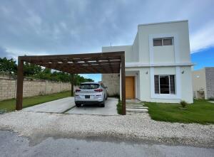 Casa En Alquileren Punta Cana, Veron-Punta Cana, Republica Dominicana, DO RAH: 22-498