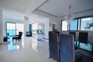 Apartamento En Ventaen Distrito Nacional, Bella Vista, Republica Dominicana, DO RAH: 22-519