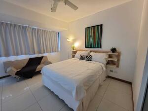 Apartamento En Alquileren Distrito Nacional, Evaristo Morales, Republica Dominicana, DO RAH: 22-680