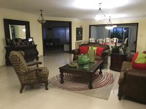 Casa En Ventaen Distrito Nacional, Mirador Sur, Republica Dominicana, DO RAH: 22-787