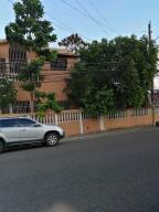 Casa En Ventaen Santo Domingo Este, Vista Hermosa, Republica Dominicana, DO RAH: 22-809