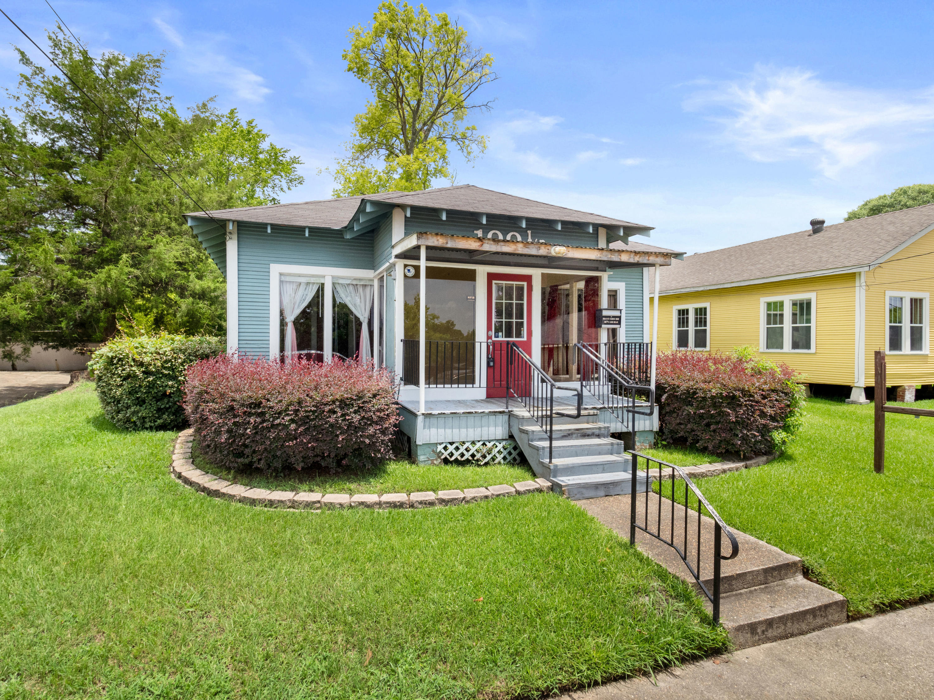 100 1/2 East Texas St: ACT FAST ON THIS ONE!
