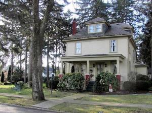 109 WALNUT ST, Brookville, PA 15825
