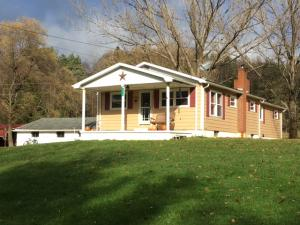 393 TRAYER RD, Summerville, PA 15864