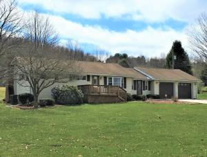 2772 SHEEP FARM RD, Brookville, PA 15825