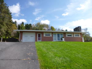 1204 HILLVIEW AVE, Brockway, PA 15824