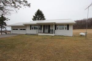 2135 HORMTOWN RD, Reynoldsville, PA 15851