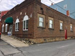 82 BARNETT ST, Brookville, PA 15825