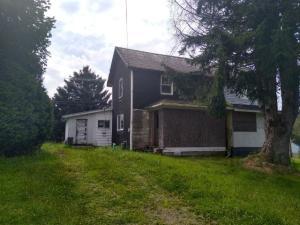 368 ADRIAN RD, DeLancey, PA 15733