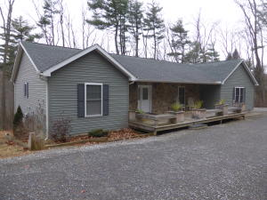 49 KING RIDGE DR, Brookville, PA 15825