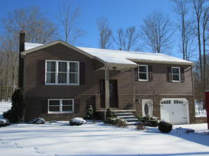 297 TWO TURTLES RD, Dubois, PA 15801