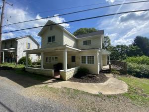 136 DUTCHTOWN RD, Punxsutawney, PA 15767