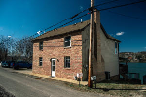 104 BARKING RD, New Kensington, PA 15068