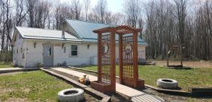 1480 SHALE PIT RD, Reynoldsville, PA 15851