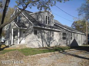 240 N Illinois, Salem, IL 62881