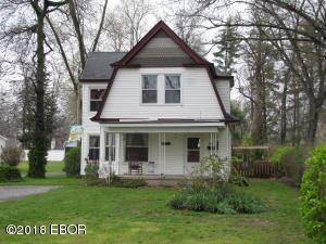 600 W Schwartz Street, Salem, IL 62881