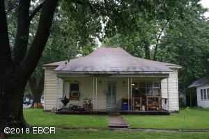 419 S Pearl Street, Salem, IL 62881