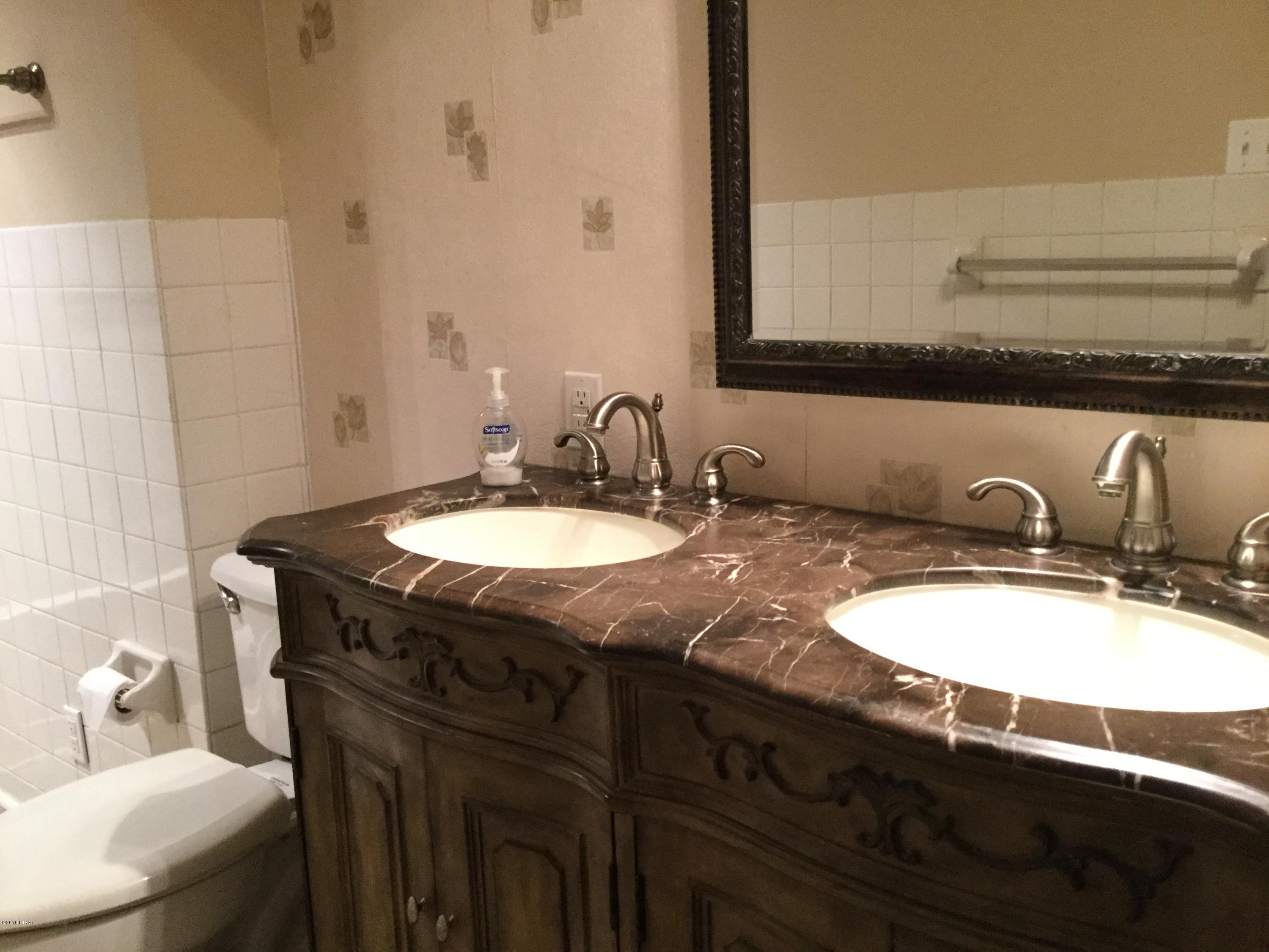 403 Morgan Street Anna Il 62906 Mls 422676 Jeff Dunahee Realty How To Wire A New Bathroom Hardwood Floors In Every Room Fixtures Windows Wiring Appliances Countertops And Just