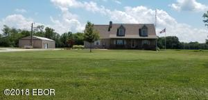 1432 Red Stripe Road, Odin, IL 62870
