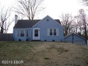 831 N College Street, Salem, IL 62881
