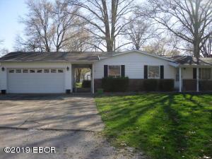 1013 Meadow Lane, Salem, IL 62881