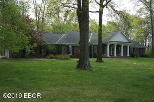 1575 Hawthorn Road, Salem, IL 62881
