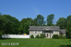 658 Deerfield Road, Walnut Hill, IL 62893