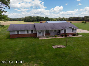 2162 Wisher Road, Patoka, IL 62875