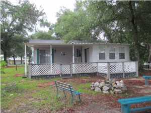 940 Paradise Island Drive, Defuniak Springs, FL 32433