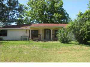 1371 Jackson Still Road, Defuniak Springs, FL 32433