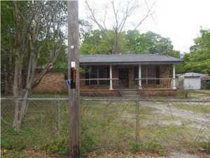 440 Field Avenue, Crestview, FL 32539