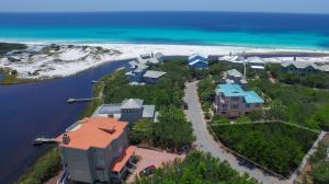 Walk to Beach , Dock on Draper Lake or Community Pool !