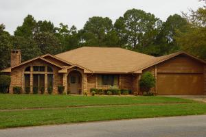 Beautiful mature lot with a spacious house in Indian Bayou