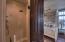 Guest Bedroom en suite bath