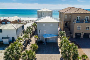 Gulf Splendor is comprised of 2 fully renovated homes