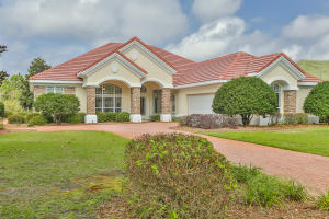 489 Captains Circle, Destin, FL 32541